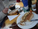 Bratwurst, Gulaschsupper. Mmh, lecker!!!